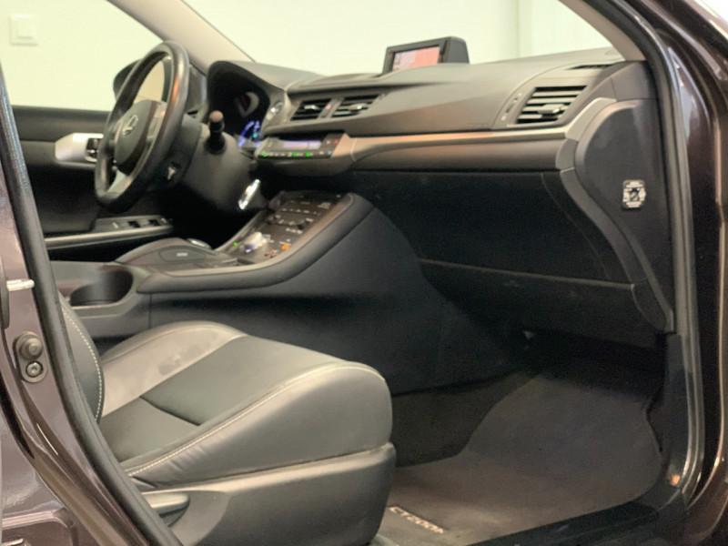 Photo 7 de l'offre de LEXUS CT 200H PASSION à 13480€ chez Greencar France