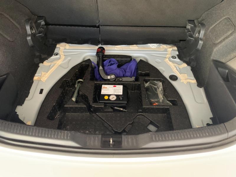 Photo 13 de l'offre de TOYOTA AURIS HSD 136H DESIGN BUSINESS à 12480€ chez Greencar France