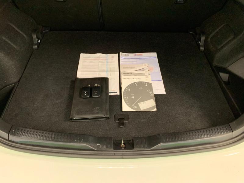 Photo 12 de l'offre de TOYOTA AURIS HSD 136H DESIGN BUSINESS à 12480€ chez Greencar France