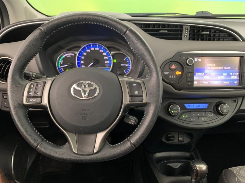 Photo 10 de l'offre de TOYOTA YARIS HSD 100H DYNAMIC 5P à 10480€ chez Greencar France