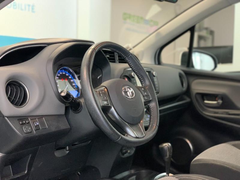 Photo 15 de l'offre de TOYOTA YARIS HSD 100H DYNAMIC 5P à 10480€ chez Greencar France