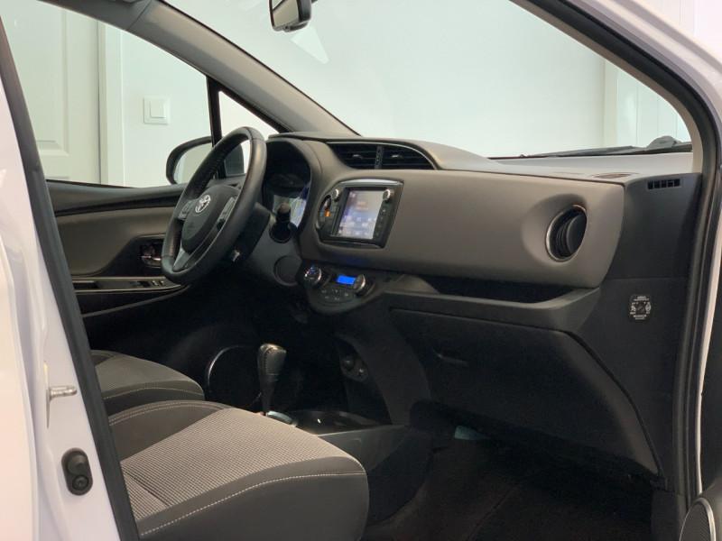 Photo 7 de l'offre de TOYOTA YARIS HSD 100H DYNAMIC 5P à 10480€ chez Greencar France