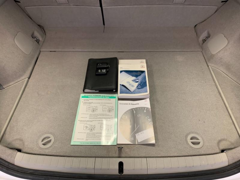 Photo 12 de l'offre de TOYOTA PRIUS 136H DYNAMIC 17 à 11980€ chez Greencar France