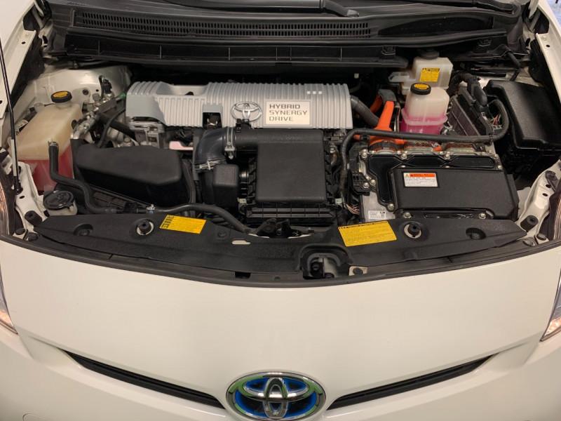 Photo 15 de l'offre de TOYOTA PRIUS 136H DYNAMIC 17 à 11980€ chez Greencar France