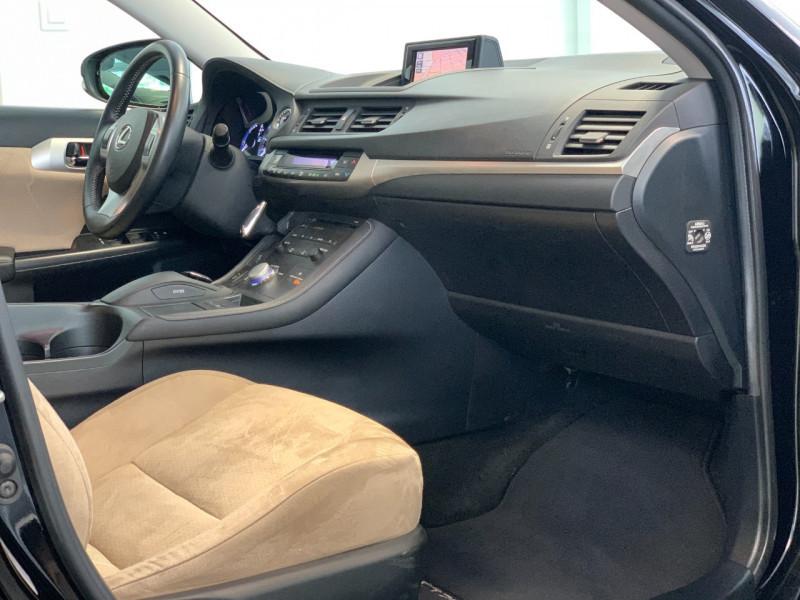 Photo 8 de l'offre de LEXUS CT 200H EMOTION à 11880€ chez Greencar France