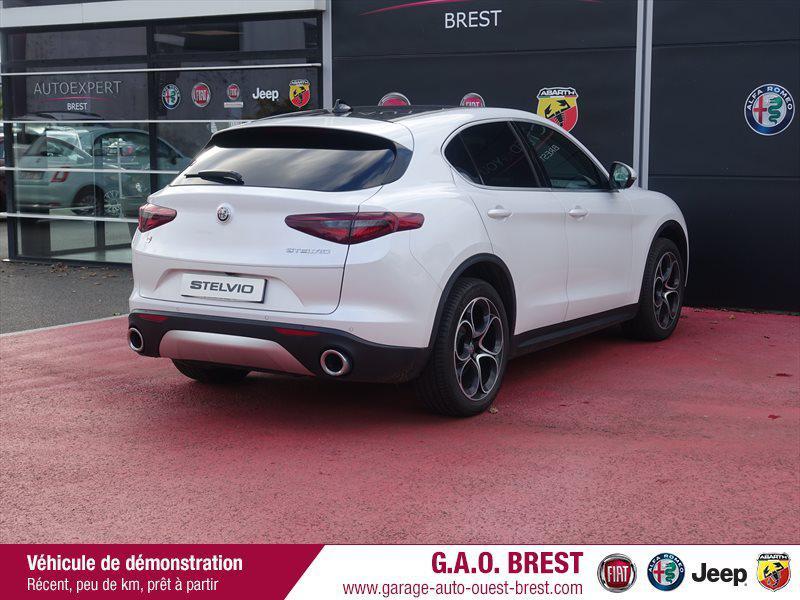 Photo 3 de l'offre de ALFA ROMEO Stelvio 2.2 Diesel 210ch Lusso Q4 AT8 MY19 à 46990€ chez Garage Auto de l'Ouest - Brest