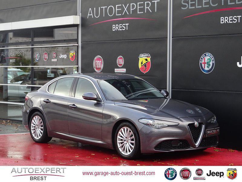 Alfa Romeo Giulia 2.2 JTD 150ch Lusso Diesel Gris Vesuvio Occasion à vendre