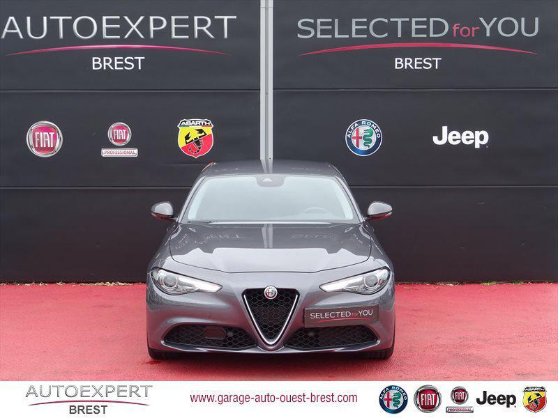Photo 8 de l'offre de ALFA ROMEO Giulia 2.2 JTD 180ch Lusso AT8 à 25990€ chez Garage Auto de l'Ouest - Brest