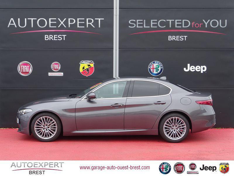 Photo 5 de l'offre de ALFA ROMEO Giulia 2.2 JTD 180ch Lusso AT8 à 25990€ chez Garage Auto de l'Ouest - Brest