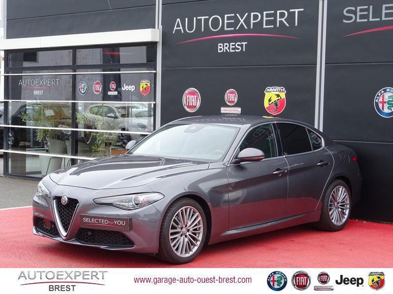 Photo 2 de l'offre de ALFA ROMEO Giulia 2.2 JTD 180ch Lusso AT8 à 25990€ chez Garage Auto de l'Ouest - Brest