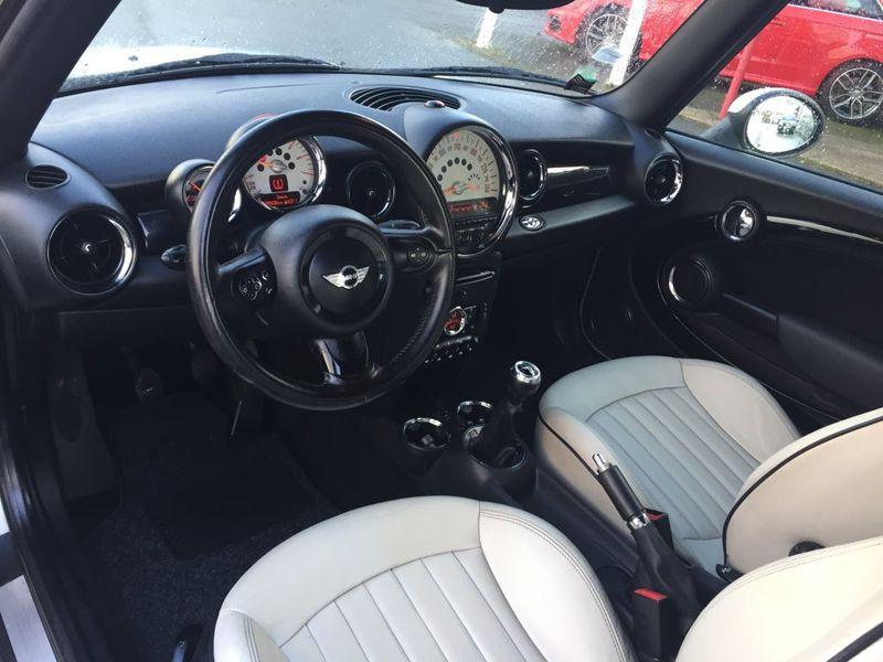 Photo 4 de l'offre de MINI Mini cooper COOPER D CABRIOLET à 11490€ chez AA automobiles