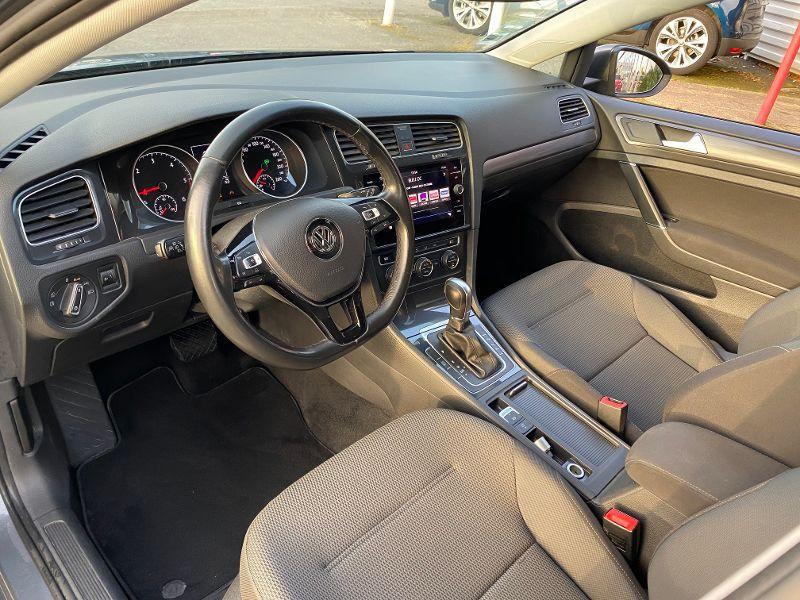 Photo 3 de l'offre de VOLKSWAGEN Golf 1.6 TDI 105ch BlueMotion FAP Carat DSG7 3p à 11990€ chez AA automobiles