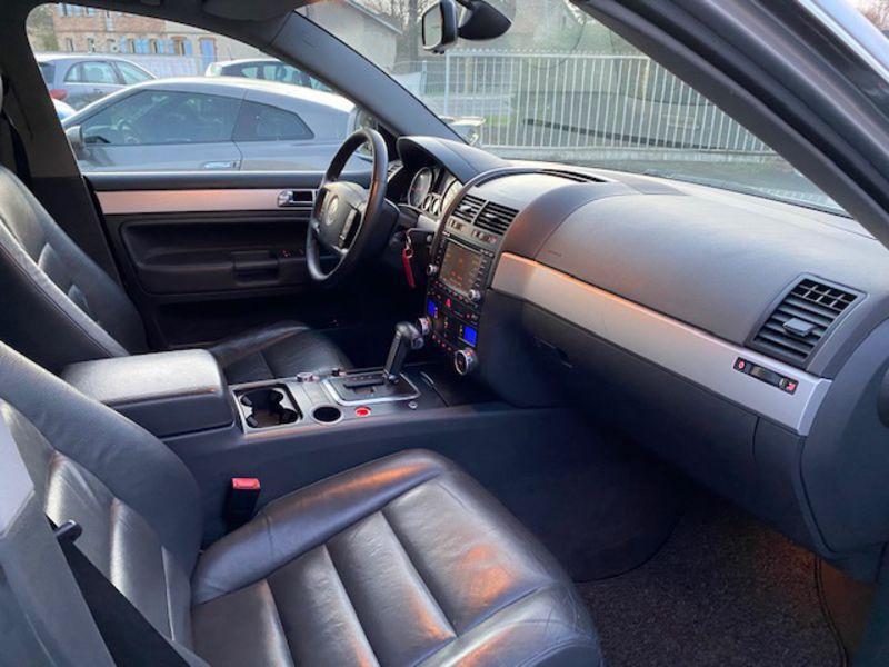 Photo 4 de l'offre de VOLKSWAGEN Touareg 3.0 V6 TDI Carat Tiptronic Fap à 7990€ chez AA automobiles