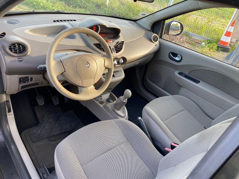 Photo 3 de l'offre de RENAULT Twingo 1.2 16v 75ch Authentique à 3990€ chez AA automobiles