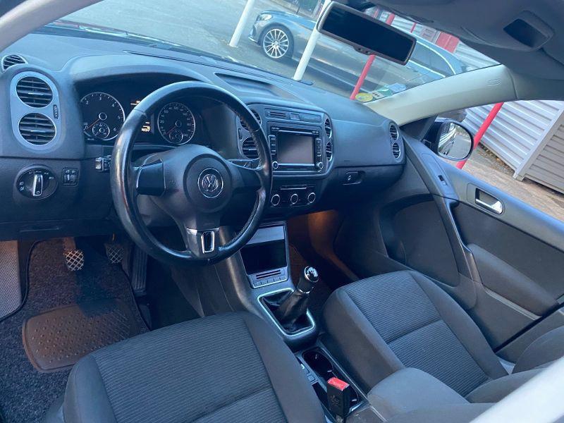 Photo 3 de l'offre de VOLKSWAGEN Tiguan 2.0 TDI 110ch BlueMotion FAP à 11490€ chez AA automobiles