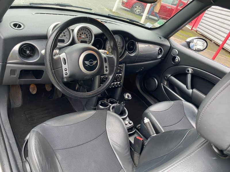 Photo 4 de l'offre de MINI Mini cooper Convertible MINI COOPER CABRIOLET 115CV à 6990€ chez AA automobiles