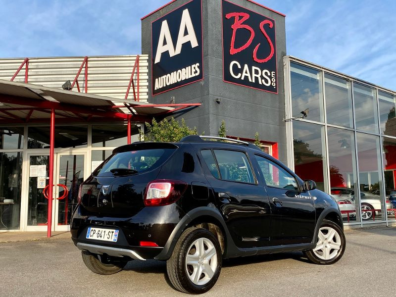 Photo 2 de l'offre de DACIA Sandero 1.5 dCi 90ch FAP Stepway Euro 5 à 5490€ chez AA automobiles