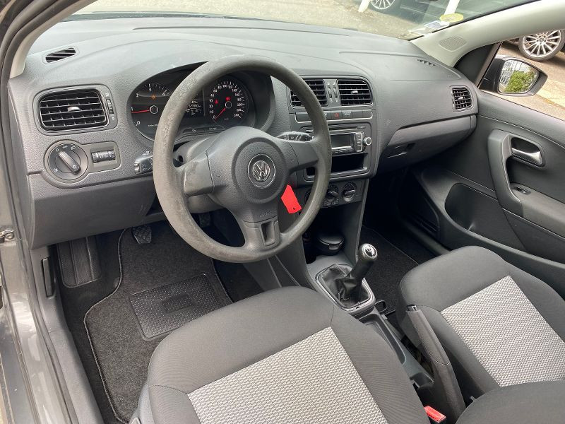 Photo 3 de l'offre de VOLKSWAGEN Polo 1.2 TDI 75ch FAP Trendline 5p à 5990€ chez AA automobiles