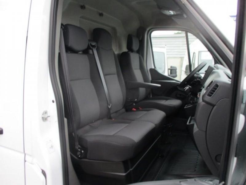 Photo 6 de l'offre de RENAULT MASTER III FG L2H2 DCI 135CH à 29880€ chez Deal pro automobiles