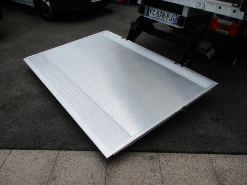 Photo 7 de l'offre de IVECO DAILY CCB 35C16 CAISSE 20 M3+HAYON à 35940€ chez Deal pro automobiles