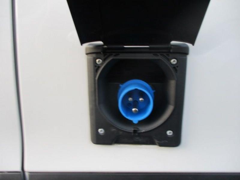 Photo 10 de l'offre de PEUGEOT PARTNER STANDARD 1.6 BLUEHDI 100CH PREMIUM PACK à 21900€ chez Deal pro automobiles