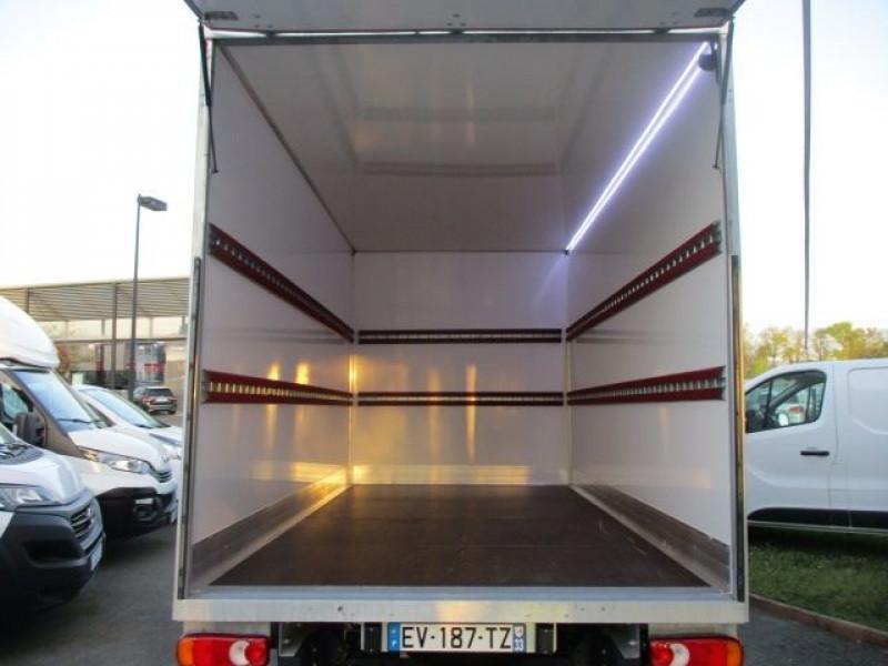 Photo 4 de l'offre de FIAT DUCATO CCB 3.5 L 2.3 MULTIJET 130CH PACK PRO NAV à 31800€ chez Deal pro automobiles