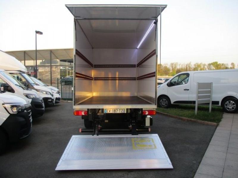 Photo 3 de l'offre de FIAT DUCATO CCB 3.5 L 2.3 MULTIJET 130CH PACK PRO NAV à 31800€ chez Deal pro automobiles