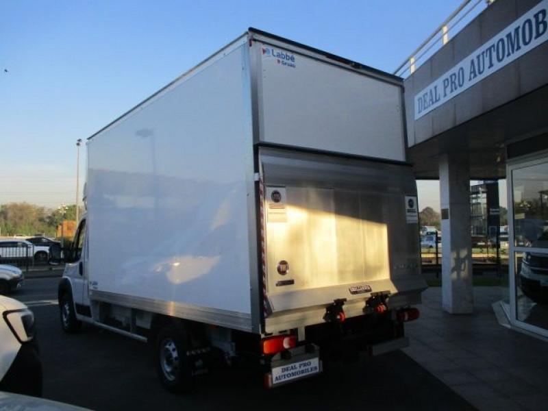 Photo 8 de l'offre de FIAT DUCATO GRD VOL 3.5 MAXI L 2.3 MULTIJET 140CH PACK PRO NAV 20M³ + HAYON 750KG L.GRUAU E6D à 42900€ chez Deal pro automobiles