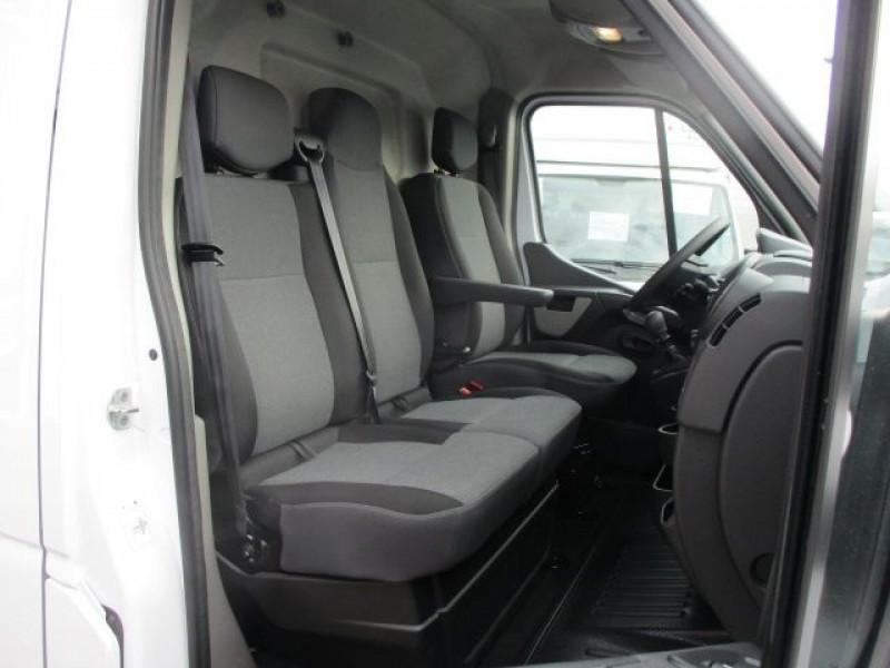 Photo 6 de l'offre de RENAULT MASTER III FG F3500 L2H2 2.3 DCI 130CH GRAND CONFORT EURO6 à 22950€ chez Deal pro automobiles