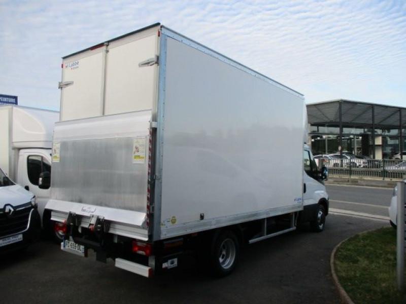 Photo 5 de l'offre de IVECO DAILY CCB 35C16 EMPATTEMENT 3000 à 36900€ chez Deal pro automobiles