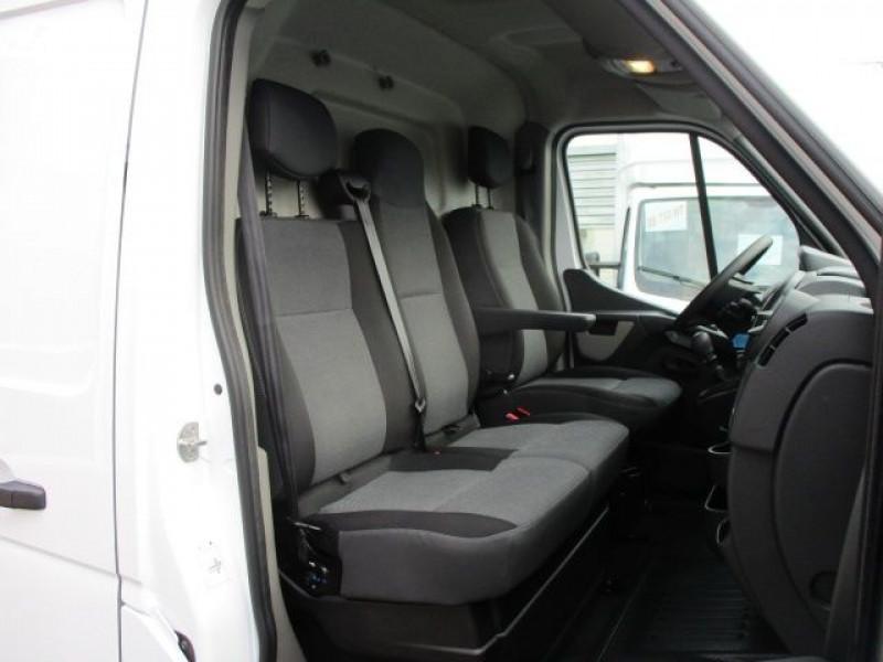 Photo 6 de l'offre de RENAULT MASTER III FG F3500 L2H2 2.3 DCI 130CH GRAND CONFORT EURO6 à 22900€ chez Deal pro automobiles