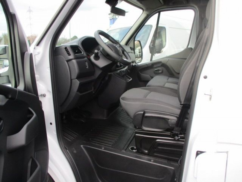 Photo 2 de l'offre de RENAULT MASTER III BENNE R3500RJ L3 2.3 DCI 145CH ENERGY +COFFRE CONFORT EUROVI à 37900€ chez Deal pro automobiles
