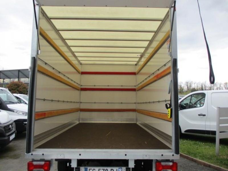 Photo 3 de l'offre de IVECO DAILY CCB 35C16 CAISSE 20 M3+HAYON à 35940€ chez Deal pro automobiles