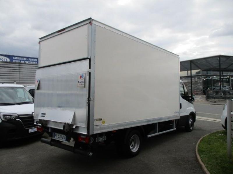 Photo 5 de l'offre de IVECO DAILY CCB 35C16 CAISSE 20 M3+HAYON à 35940€ chez Deal pro automobiles