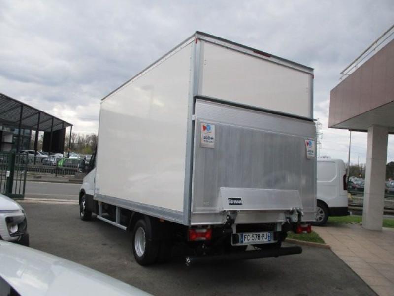 Photo 6 de l'offre de IVECO DAILY CCB 35C16 CAISSE 20 M3+HAYON à 35940€ chez Deal pro automobiles
