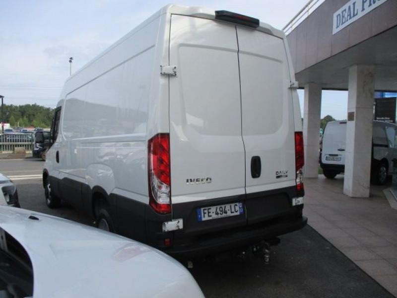 Photo 5 de l'offre de IVECO DAILY FG 35C14V12 à 29880€ chez Deal pro automobiles