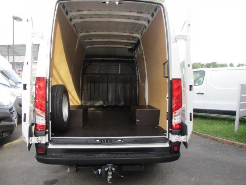 Photo 3 de l'offre de IVECO DAILY FG 35C14V12 à 29880€ chez Deal pro automobiles