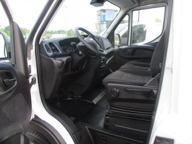 Photo 2 de l'offre de IVECO DAILY FG 35C14V12 à 29880€ chez Deal pro automobiles