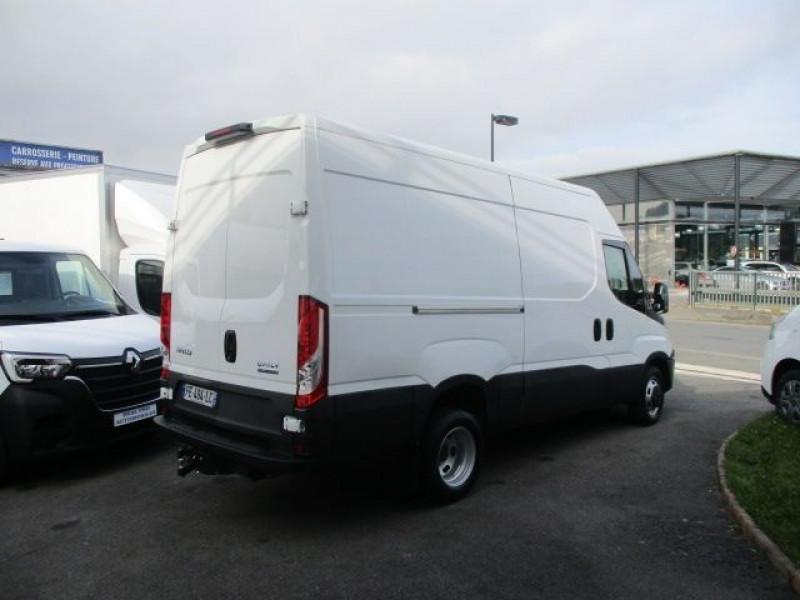Photo 4 de l'offre de IVECO DAILY FG 35C14V12 à 29880€ chez Deal pro automobiles