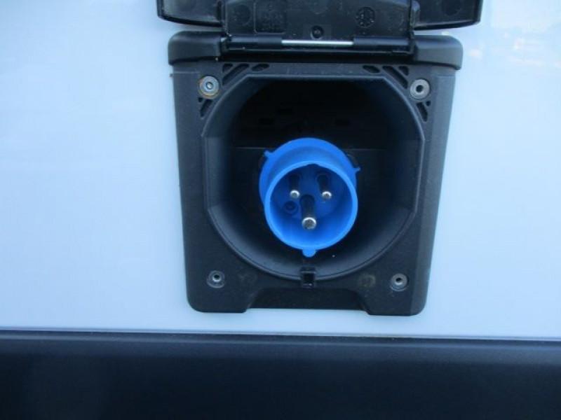 Photo 6 de l'offre de RENAULT KANGOO EXPRESS 1.5 DCI 75 E6 FRIGORIFIQUE GRAND CONFORT à 21900€ chez Deal pro automobiles