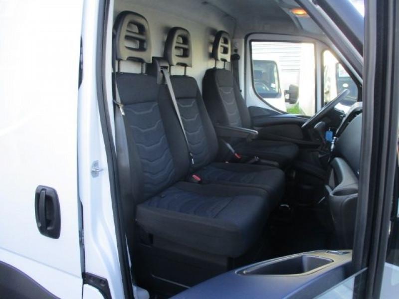 Photo 6 de l'offre de IVECO DAILY FG 35S14V12 HI-MATIC à 28900€ chez Deal pro automobiles