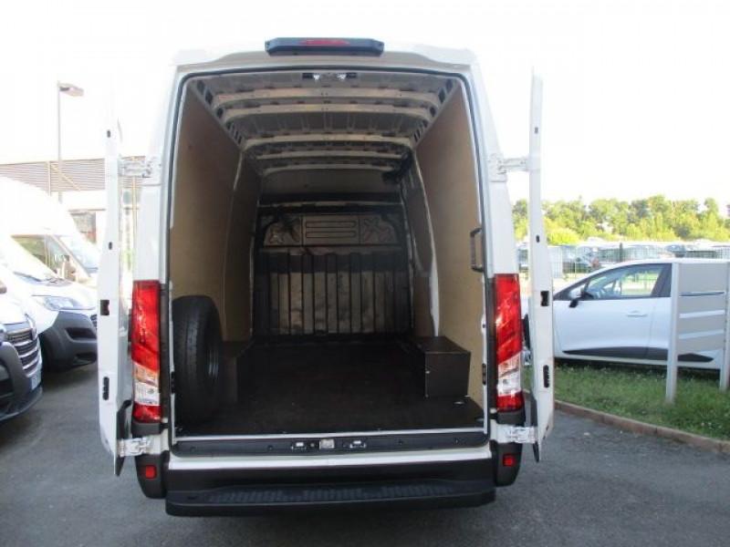 Photo 3 de l'offre de IVECO DAILY FG 35S14V12 HI-MATIC à 28900€ chez Deal pro automobiles