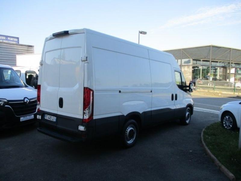 Photo 4 de l'offre de IVECO DAILY FG 35S14V12 HI-MATIC à 28900€ chez Deal pro automobiles
