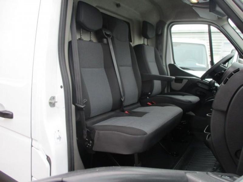 Photo 9 de l'offre de RENAULT MASTER III FG R3500 L4H2 2.3 DCI 165CH ENERGY GRAND CONFORT EUROVI à 25900€ chez Deal pro automobiles