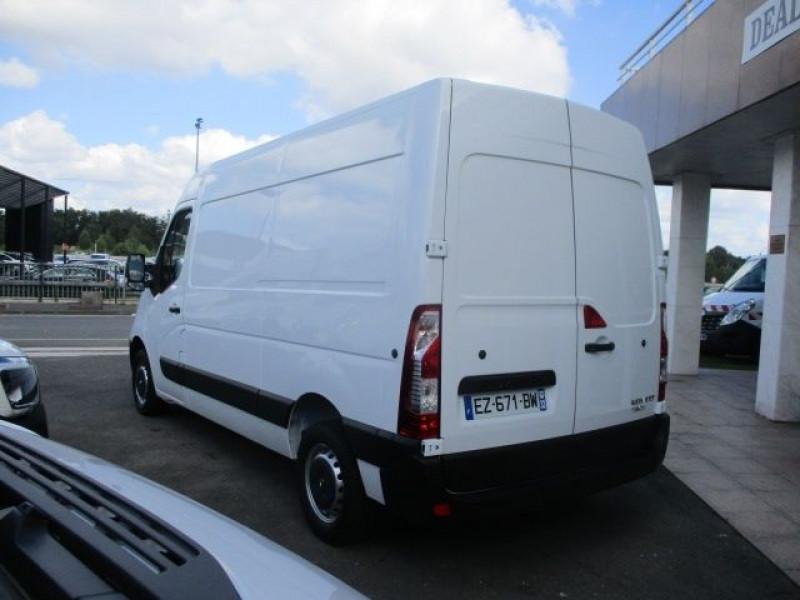 Photo 5 de l'offre de RENAULT MASTER III FG F3300 L2H2 2.3 DCI 130CH GRAND CONFORT EURO6 à 22900€ chez Deal pro automobiles