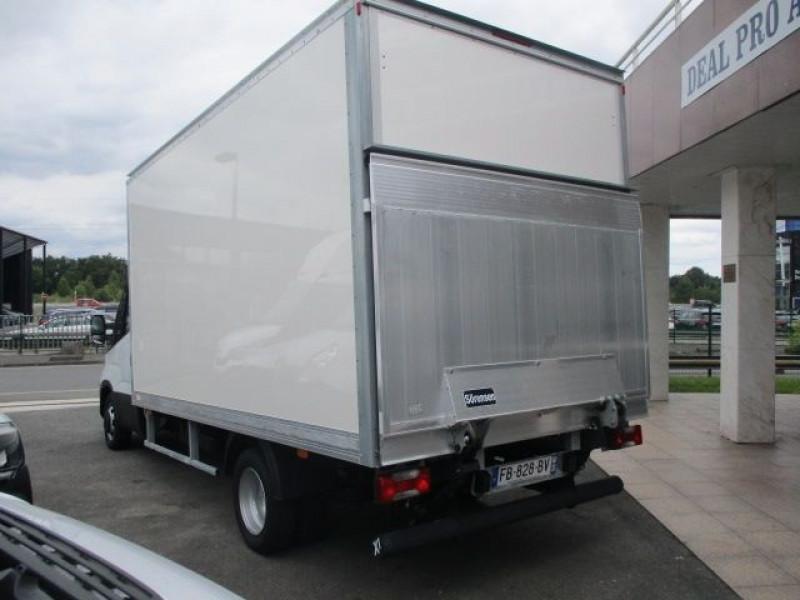 Photo 5 de l'offre de IVECO DAILY CCB 35C16 CAISSE 20M3+HAYON à 36900€ chez Deal pro automobiles