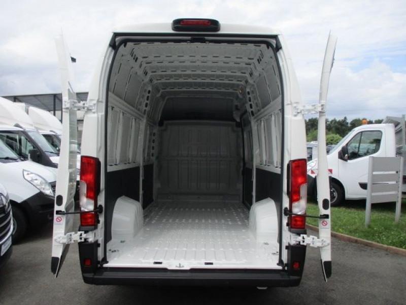 Photo 3 de l'offre de PEUGEOT BOXER FG 435 L4H3 2.2 BLUEHDI S&S 140CH ASPHALT à 37900€ chez Deal pro automobiles