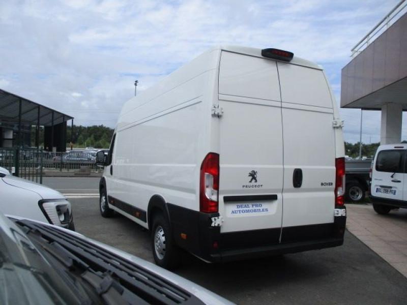 Photo 5 de l'offre de PEUGEOT BOXER FG 435 L4H3 2.2 BLUEHDI S&S 140CH ASPHALT à 37900€ chez Deal pro automobiles