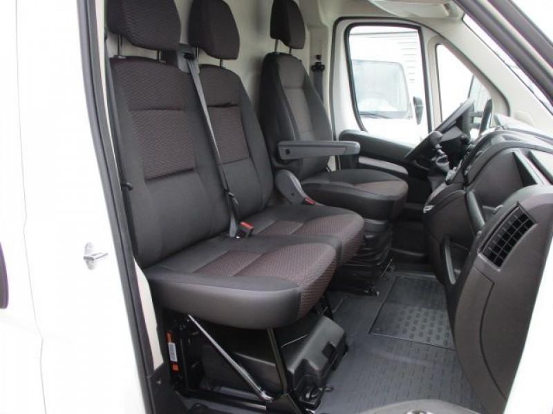 Photo 8 de l'offre de PEUGEOT BOXER FG 435 L4H3 2.2 BLUEHDI S&S 140CH ASPHALT à 37900€ chez Deal pro automobiles