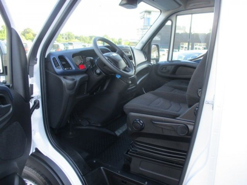 Photo 2 de l'offre de IVECO DAILY FG 35S14V12 HI-MATIC à 28900€ chez Deal pro automobiles